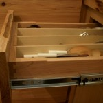 Integrated drawer dividers are removable for cleaning